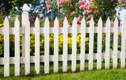 COTTAGE AND PICKET FENCING COMPONENTS