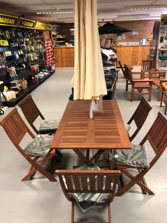 Hardwood garden set